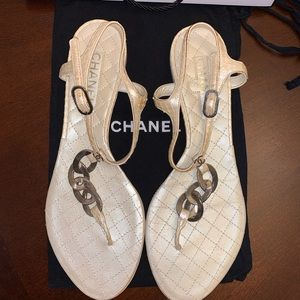 CHANEL quilted leather sandals